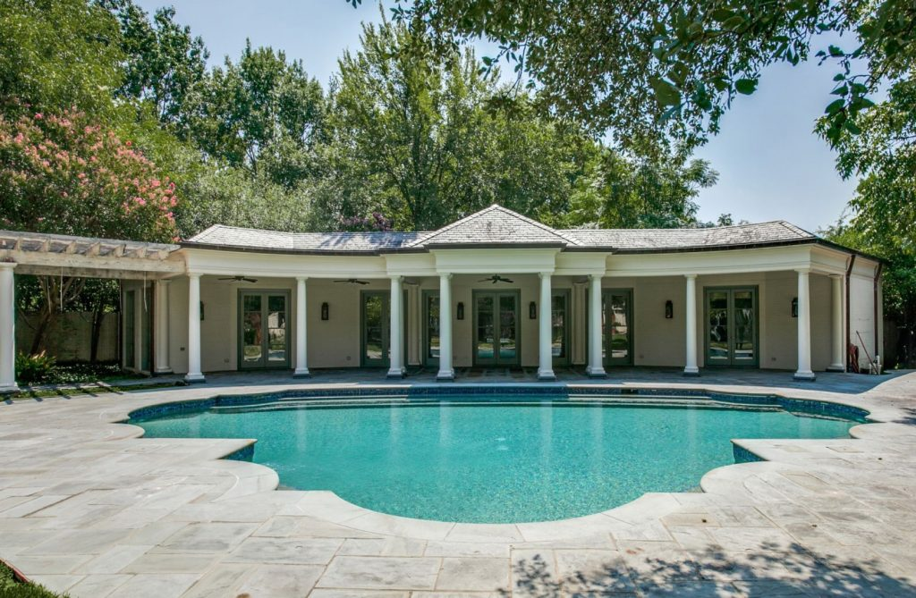 Landmark-Preston-Hollow-estate-2