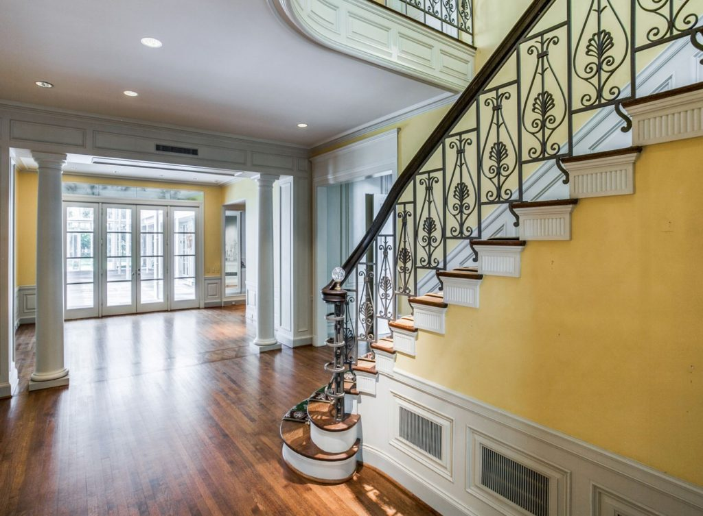 Landmark-Preston-Hollow-estate-3