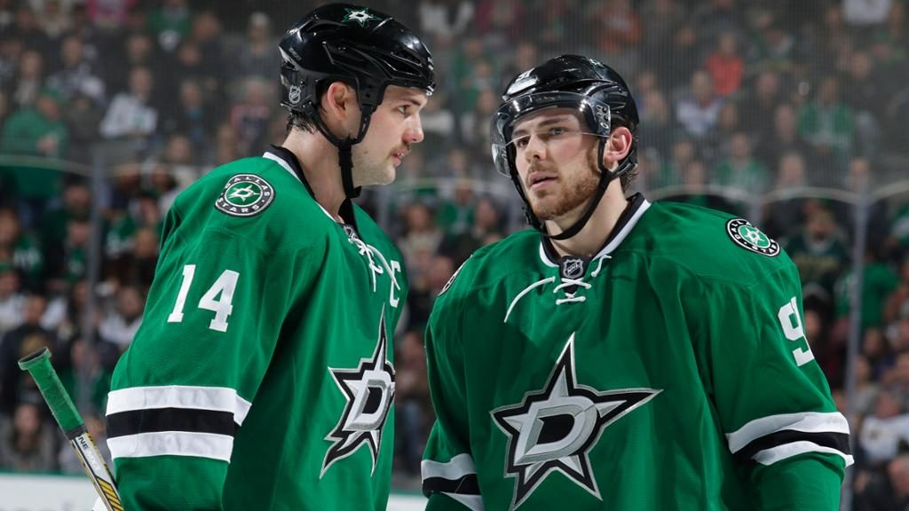 Tyler-Seguin,-Jamie Benn-disappointed-Coach-Jim-Montgomery