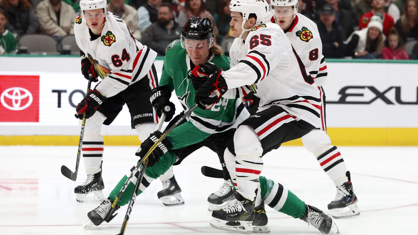 Stars-beat-Blackhawks-2-1-in-shootout-for-6th-straight-win,-by-return-of-Roope-Hintz-and-John-Klingberg