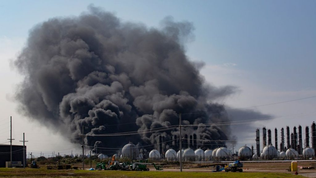 Texas-residents-urged-to-evacuate-after-Port-Neches-chemical-plant-blasts